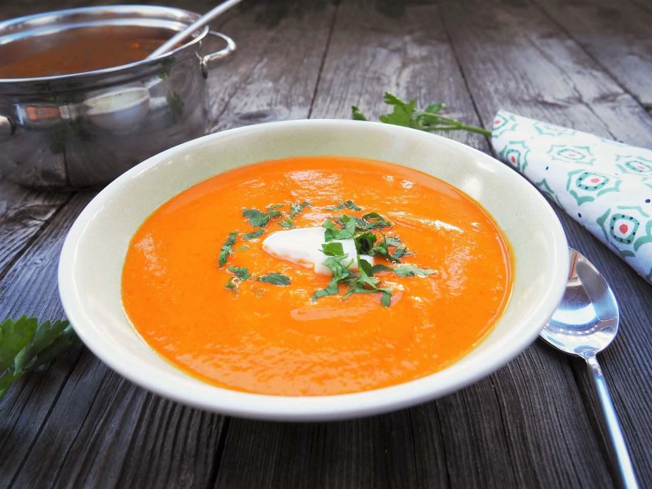 Süßkartoffel-Paprika-Suppe / Nahrung für die Seele!