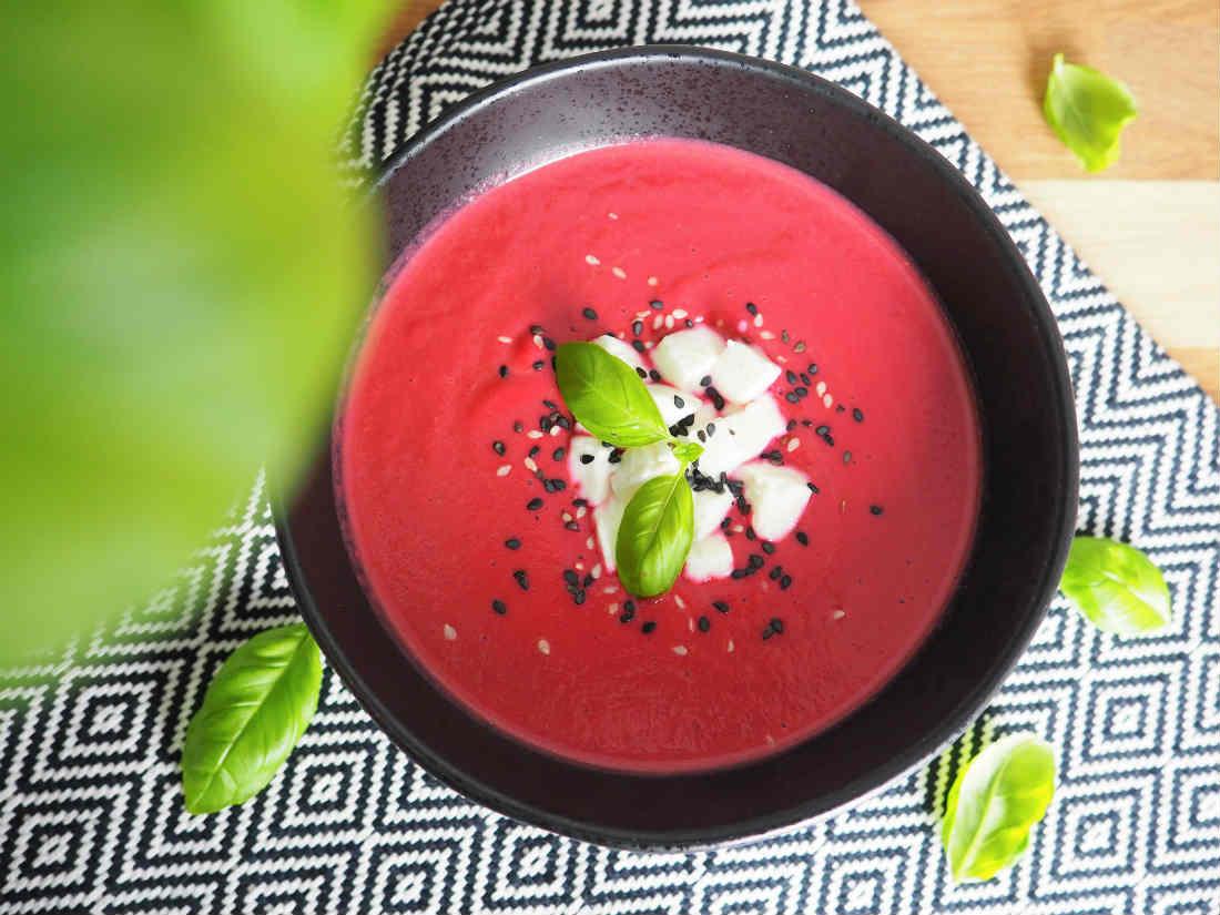 Fruchtige Rote-Beete-Suppe mit Blutorange